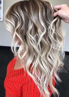 Browse here to see the modern highlights of brunette balayage hair colors and shades for elegant and cool look. We have created here a list of best ever balayage hair colors for all those women who wanna wear unique and bold cuts and colors. Brown Ombre Hair, Ash Blonde Hair, Ombre Hair Color, Hair Color Balayage, Blonde Color, Cool Hair Color, Blonde Shades, Blonde Balayage Highlights, Long Hair Highlights