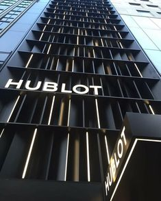Peter Marino clads Hublot's Fifth Avenue store in angled black metal panels and LEDs Interior And Exterior Angles, Modern Interior Design, Design Interiors, Contemporary Decor, Contemporary Architecture, Contemporary Landscape, Contemporary Stairs, Contemporary Building, Contemporary Cottage