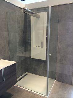 Shower enclosure by porcelanosa