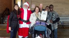 Photo with Santa Claus leads to impromptu wedding | News  - Home