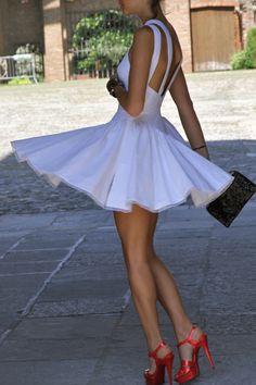 Love the back. Dress by Alaia emma875 #2dayslook #mini dress #emma875www.2dayslook.com