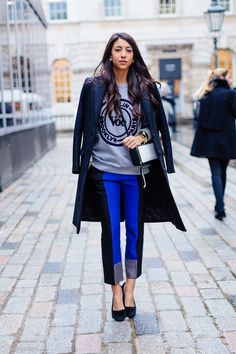 Voo & vibrant blue: in London. #streetstyle