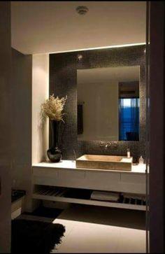 Baño con venecitas negras