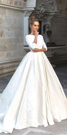 White bride dresses. All brides want to find themselves having the most appropriate wedding ceremony, however for this they need the perfect bridal dress, with the bridesmaid's dresses enhancing the wedding brides dress. These are a variety of ideas on wedding dresses.
