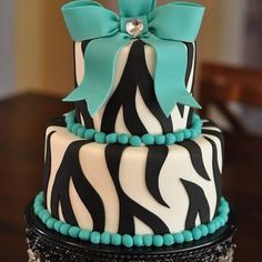 THIS WILL BE MY SWEET 16 CAKE.