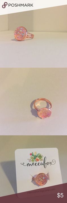 rose gold druzy ring Small rose gold druzy ring, brand new with tags ! Jewelry Rings