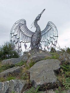 'Easterhouse Phoenix' by sculptor Andy Scott