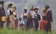 Urner Frauen-Festtags- und Sonntagstracht