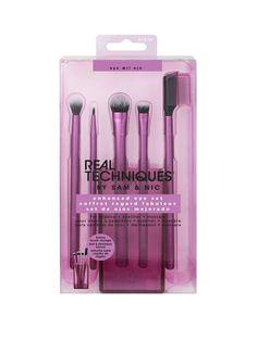Shop Real Techniques Enhanced Eye Brush Set at ASOS. Eyeshadow Brush Set, Mascara Brush, Makeup Brush Set, Eyeshadow Makeup, Real Techniques Brushes, Too Faced, Technique Makeup Brushes, Eye Liner, Makeup Organization