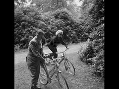 ▶ EXCLUSIVE Marilyn Monroe & Arthur Miller Bicycling in Englefield Green, England 1956 - YouTube