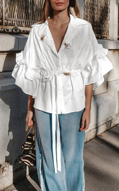 Get inspired and discover Johanna Ortiz trunkshow! Shop the latest Johanna Ortiz collection at Moda Operandi. Casual Fall Outfits, Edgy Outfits, Classy Outfits, Fashion Outfits, White Fashion, Love Fashion, Fashion Details, Fashion Design, Abaya Fashion