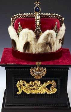 Famous hat of Maximilian III in Klosterneuburg. Maximilian III of Austria, also known as Maximilian the Grand Master of the Teutonic Knights (12 October 1558 – 2 November 1618) was the Archduke of Further Austria from 1612 until his death and regent of Tyrol. Maximilian was the fourth son of the emperor Maximilian II and Maria of Spain.