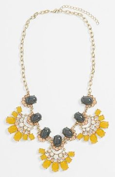 Collares grandes de colores/ Color statement neckalce!