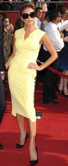 I loved Victoria Beckham in this lemon yellow Roland Mouret dress