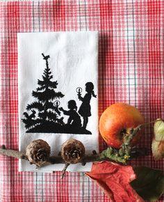 """Stickdatei  """"Weihnachtsbaum im Wald schmücken""""  von  """"FeinKram""""  hier gibt es die schönsten Scherenschnitt StickDateien ;-))) auf DaWanda.com"""