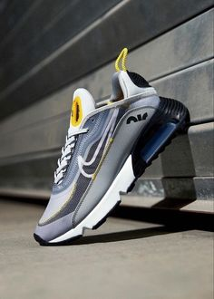 Addidas Sneakers, Best Sneakers, Air Max Sneakers, Baskets, Aesthetic Shoes, Foot Locker, Sports Shoes, Nike Air Max, Nike Shoes