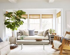 Neutral-toned sitting room
