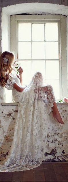 The Millionairess Of Pennsylvania: romantic white lace maxi dress