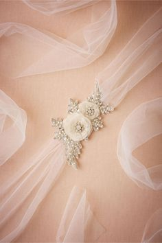 Discover BHLDN's collection of beautiful belts and sashes. Add a little sparkle with a beaded dress sash, embellished with crystals. Wedding Sash Belt, Bridesmaid Belt, Diy Wedding Dress, Wedding Belts, Diy Dress, Bridal Belts, Bhldn Wedding, Hair Wedding, Tulle Headband