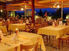 La Terrasse, Au Parc Hotel Parc Hotel, Restaurants, Midi, Table Decorations, Furniture, Home Decor, Restaurant Service, Terrace, Sunday