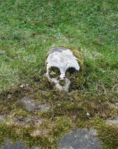 Scottish gravestone, Holy Rood Stirlingshire. Photo credit: © R.P. McIntosh 2009