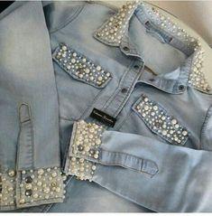 Pearl appliqué on denim jacket 😍 Diy Jeans, Jeans Refashion, Denim And Lace, Denim Fashion, Fashion Outfits, Kleidung Design, Diy Vetement, Denim Ideas, Embellished Jeans