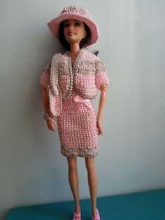 vêtement poupée mannequin Barbie (290)