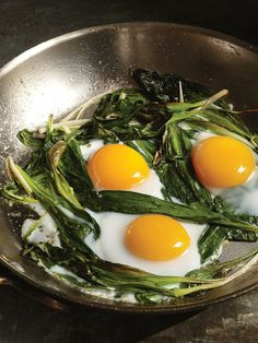 The perfect brunch: ramps and eggs!  http://greatideas.people.com/2014/04/23/buvette-ramps-eggs-french-brunch-recipe/