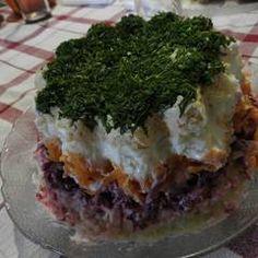 Σαλάτα Χριστουγεννιάτικη σαν τούρτα συνταγή από juligram - Cookpad Pie, Desserts, Food, Flowers, Torte, Tailgate Desserts, Cake, Deserts, Fruit Cakes
