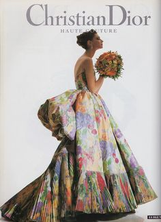 Christian Dior Haute Couture 1992 A gown with a bustle! You could totally get married in this! Brides who want colored wedding gowns score! Dior Haute Couture, Christian Dior Couture, Christian Dior Vintage, Vintage Dior, Couture Mode, Style Couture, Vintage Couture, Vintage Dresses, Vintage Outfits