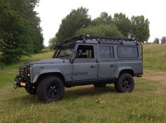 Land Rover Defender in Daytone Grey Matt