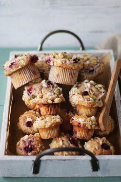 「ラズベリーとホワイトチョコの春色マフィン」vivian | お菓子・パンのレシピや作り方【corecle*コレクル】