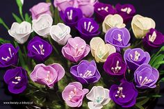 Crepe paper crocuses by Marianna. Link to tutorial in polish. Ribbon Crafts, Flower Crafts, Flower Art, Paper Crafts, Diy Crafts, Crepe Paper Flowers, Felt Flowers, Diy Flowers, Fabric Flowers