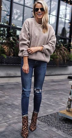 Continuing this series where I gather outfit inspirations and post them in a weekly inspiration post. This week, we have stunning outfits you need to try this winter I'll also create some shopp… Cozy Fall Outfits, Trendy Outfits, Cute Outfits, Fashion Outfits, Fashion Trends, Capsule Wardrobe, Moda Fashion, Womens Fashion, Looks Jeans