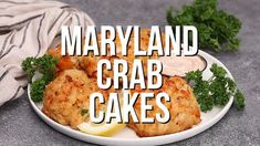 Maryland Crab Cakes - Dinner at the Zoo Crab Pasta Recipes, Recipes With Fish And Shrimp, Crab Cake Recipes, Fish Recipes, Seafood Recipes, Paleo Crab Cakes, Homemade Crab Cakes, Delicious Food, Tasty