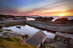 Game of Thrones: Ballintoy Harbour sunset. Photo by Causeway Coast and Glens Tourism