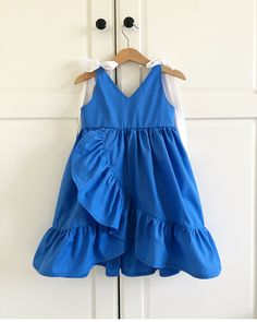 Nothing is more beautiful in the world more then the little mother's daughter. Little girl is angle 👧 and she must be looking the perfect match of fashion outfit🤩🤩 Choose your desire baby frocks 👗 and get message to shop with reasonable price👉🛍🛍🛍 Girls Frock Design, Kids Frocks Design, Baby Frocks Designs, Frocks For Girls, Dresses Kids Girl, Kids Outfits, Kids Dress Wear, Baby Dress, Baby Girl Fashion