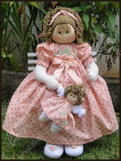 Boneca com Bonequinha - 50 cm CONTATO: anataliabonecasdepano@yahoo.com.br