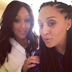 Our fave twins #TiaMowry and #TameraMowry! Remember when we couldn't tell them apart? I love their individuality! IceCreamConvos.com