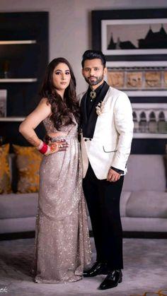 Couple Wedding Dress, Wedding Dresses Men Indian, Indian Bridal Outfits, Indian Bridal Wear, Bridal Dresses, Indian Wear, Hindu Wedding Photos, Celebrity Wedding Photos, Celebrity Weddings