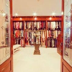 Walk in closet <3