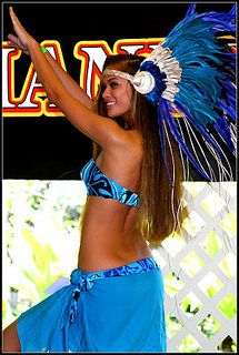 IMG_6669 by vaireacreations, via Flickr Samoan Dance, Polynesian Dance, Polynesian Culture, Hawaiian Woman, Hawaiian Girls, Hawaiian Dancers, Hawaii Costume, Samoan Designs, Tahitian Costumes