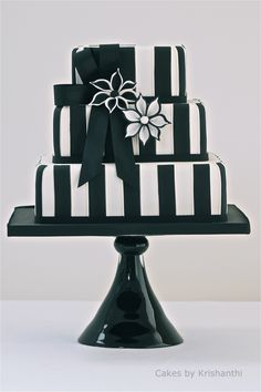 Black and White cake with Blossoms