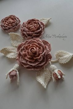 Сrochet flower Irish crochet Сrochet set Flower applique Crochet jewelry Flower necklace Irish crochet collar Wedding set flowers The set includes - 3 rose, 2 rosebud,5 leaves. Creating interesting applications with their own hands, seeing the result of their work, you are experiencing