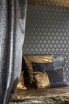 NDSM-Crane hotel Amsterdam with Wallpaper / Behang Layers by Edward van Vliet - BN Wallcoverings