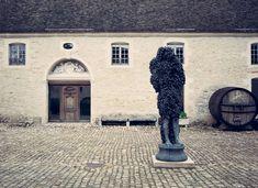 johan creten chateau de pommard exposition ceramique vin art contemporain bourgogne 1