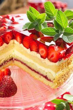Tort polski z truskawkami