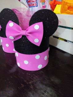 Minnie Mouse Birthday Decorations, Minnie Mouse 1st Birthday, Minnie Mouse Baby Shower, Minnie Mouse Party, Fiesta Mickey Mouse, Mickey Party, Diy Crafts For Gifts, Walt Disney, Minne