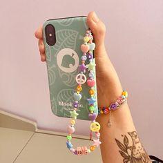 Girls Jewelry, Jewelry Shop, Beaded Jewelry, Handmade Accessories, Phone Accessories, Iphone Bracelet, Accesorios Casual, Diy Keychain, Bracelet Crafts