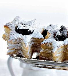 Joulutähdet - Reseptit – Kotiliesi.fi - Christmas Stars Christmas Stars, Christmas Baking, Bread Baking, I Love Food, Breads, French Toast, Muffin, Sweets, Foods